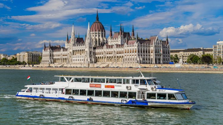 Cocktails & Cruising in Budapest