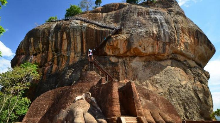Colombo, Caves & Kandy - 8 days