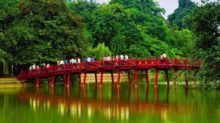 Colorful Vietnam: Hanoi, Halong, Ninh Binh, Saigon
