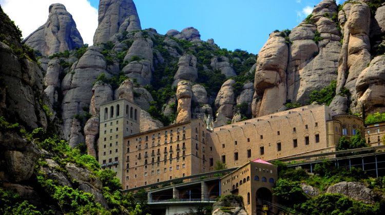 Combo Montserrat & Codorniu + Sagrada Familia