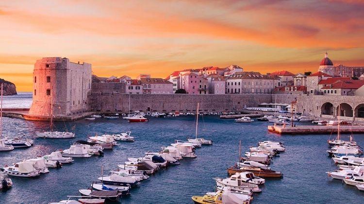 Cruise Croatia, Coast and Outer Islands: Dubrovnik to Dubrovnik