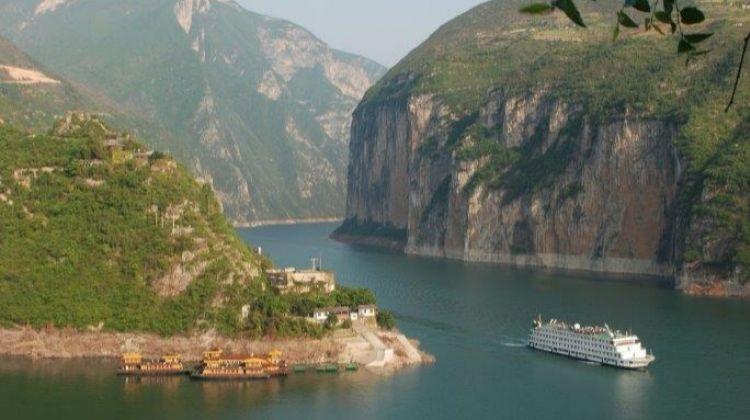 Cruising The Mighty Yangtze, Private Tour