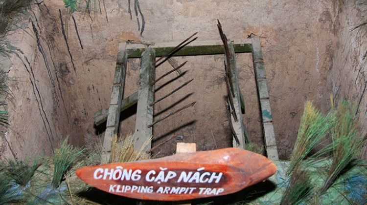 Cu chi tunnels & cao dai temple full-day tour