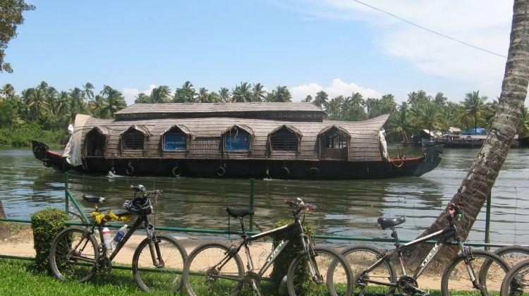 Cycle Kerala & Tropical India