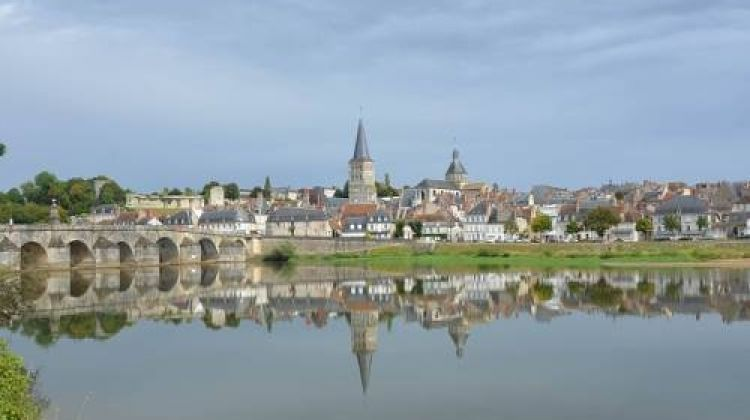 Cycle the Loire - Nevers to Orléans by Utracks | Bookmundi