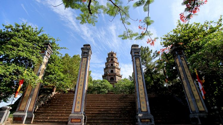 Cyclo Experience and Hue Royal Tour