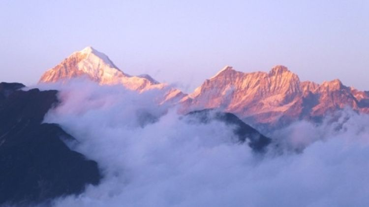 Darjeeling Trek - Views of Mt. Everest and Kanchenjunga