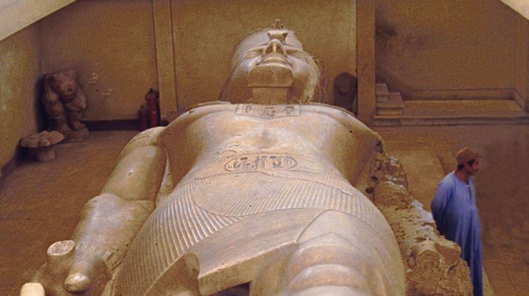 Day Tour - Giza Pyramids Memphis Sakkara & Dahshur