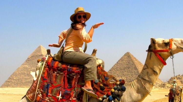 Day tour to Giza pyramids - Egyptian museum