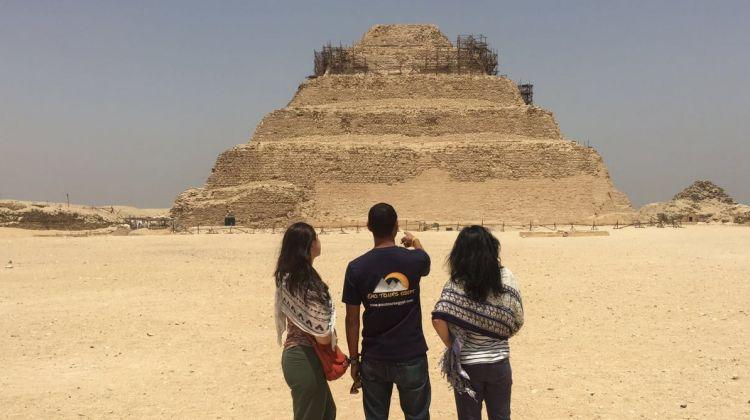 Day Tour to Giza Pyramids, Memphis and Sakkara