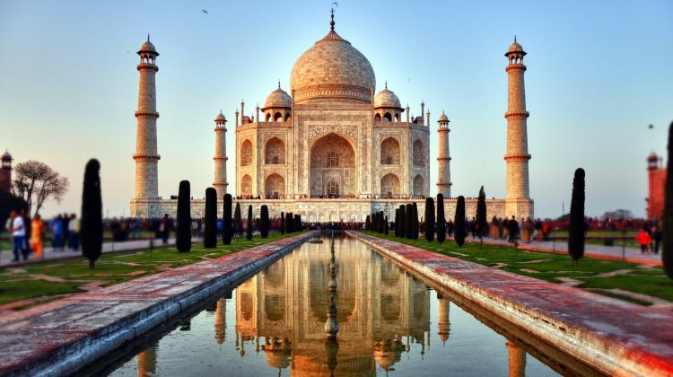 Day Trip to the Wonderful Taj Mahal & Fort in Agra