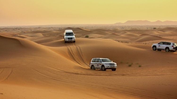 Desert safari Dubai - 4*4 Sharing