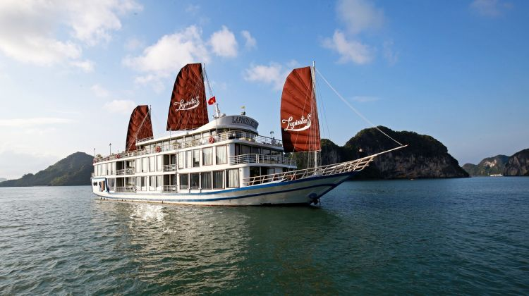 Discover Ha Long and Lan Ha Bays On Luxury Cruise