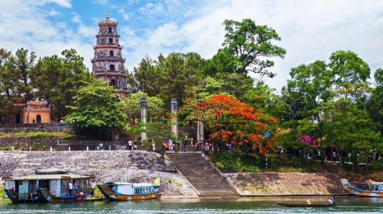 Discover Hue by Bus and Boat
