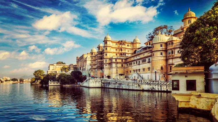 Discover India from North to South