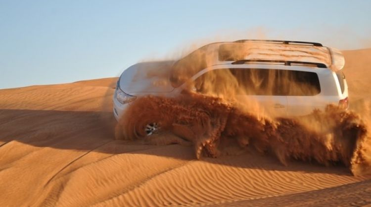 Dubai desert safari with barbecue dinner