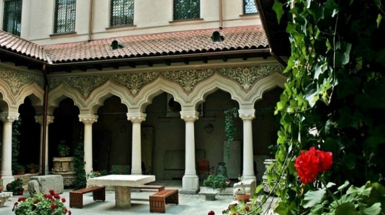 Eat Your Way Past the Top Attractions of Bucharest