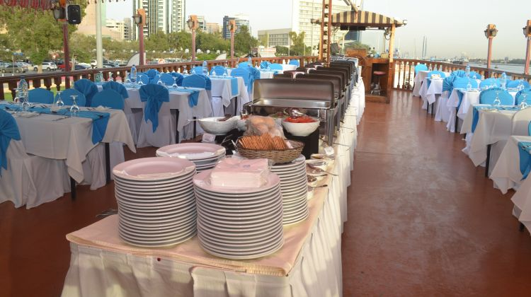 Experience of the Ice + Warm Dhow Dinner at the Creek
