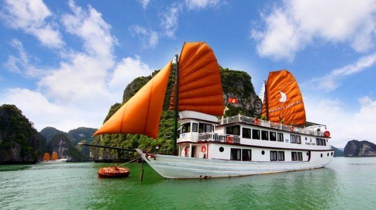 Explore Hanoi, Trek Sapa and Cruise on Halong Bay (7-Day)