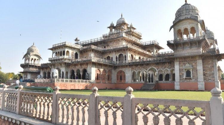 Explore Jaipur on a Rickshaw