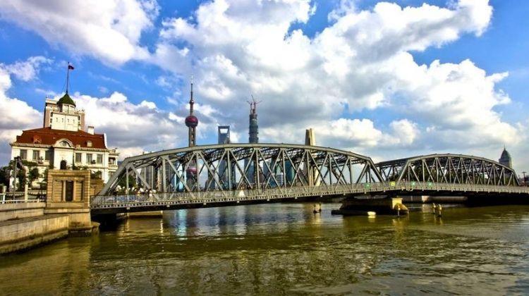 Exploring Shanghai's The Bund Offbeat
