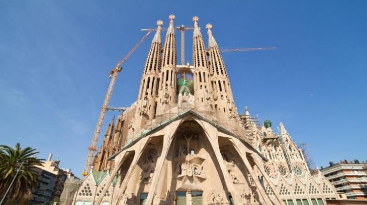 Fast Track Guided Sagrada Familia Tour including Towers