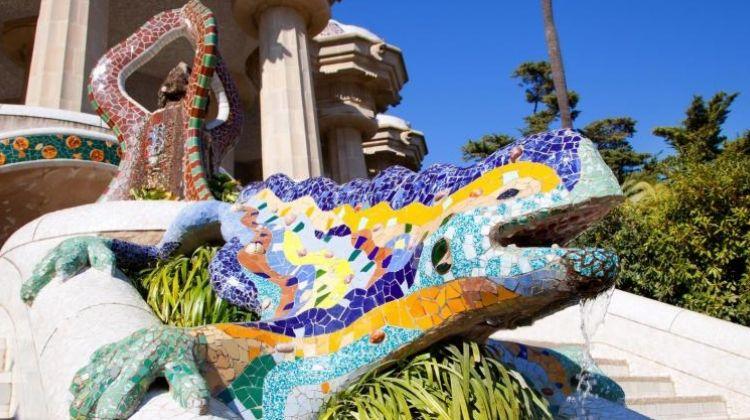 Fast Track Guided Tour Sagrada Familia and Park Güell