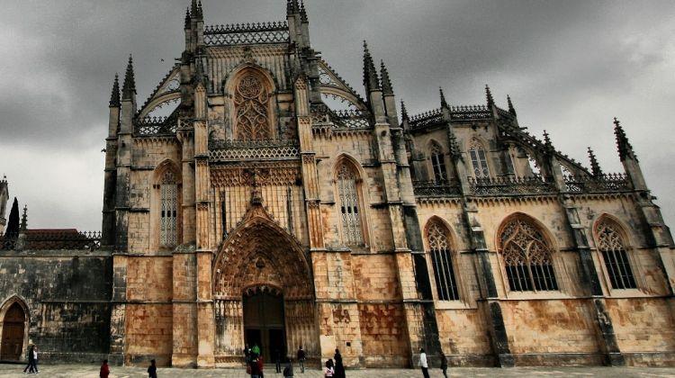 Fátima, Óbidos, Batalha & Nazaré full day