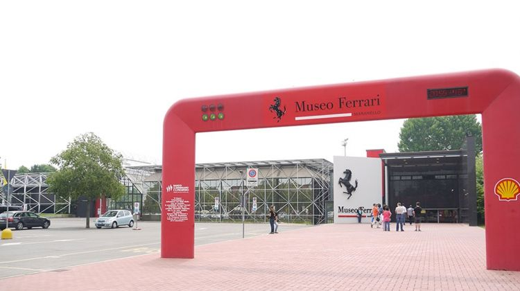 Ferrari Tour with Lunch and Wine Tasting from Siena