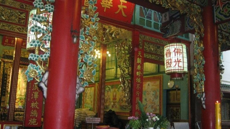 Food Delights and Many Sights in Bangkok's Chinatown