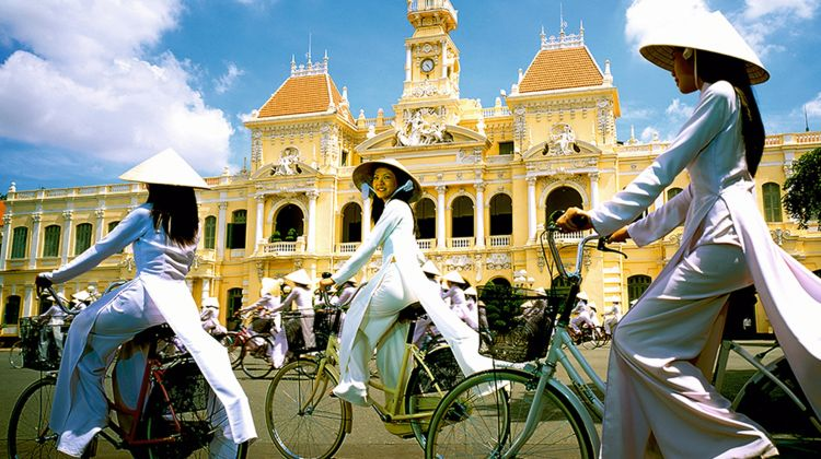 Full Day Ho Chi Minh City and Cu Chi Tunnels