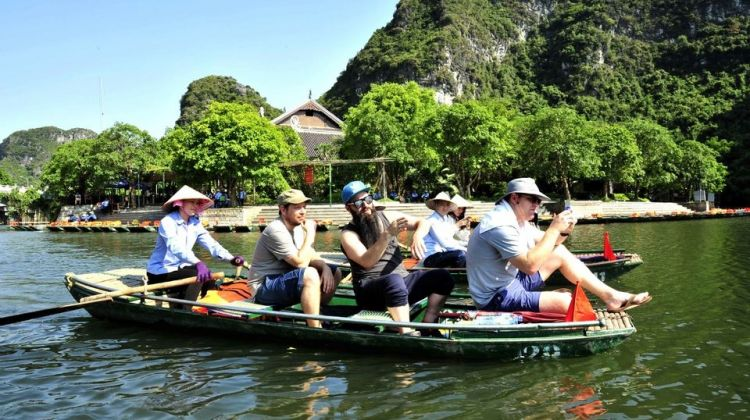 Full-Day Hoa Lu & Tam Coc Tour with Entrance Fees & Lunch