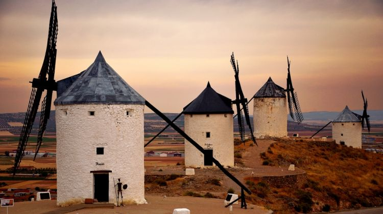 Fully Guided Toledo & Don Quixote Windmills Tour