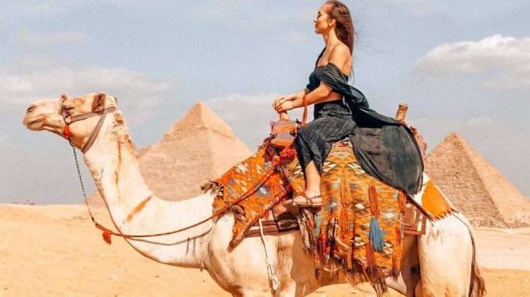 Giza Pyramids, Sakkara & Memphis Tour