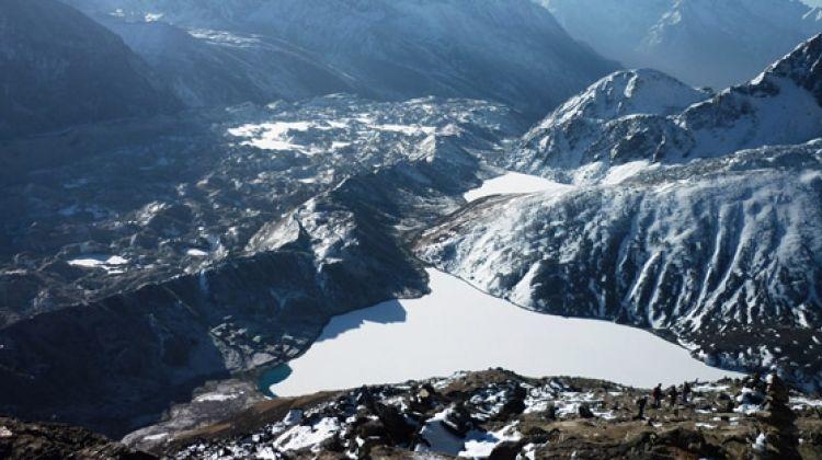 Gokyo to Everest Base Camp trek via Cho La Pass