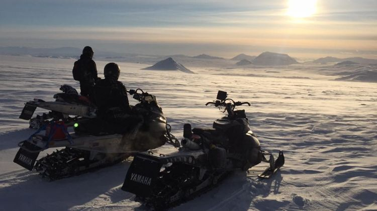 Golden Circle, snowmobiling and Super Jeep