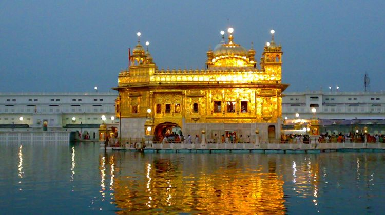 Golden Temple, Jallianwala Bagh with Food at Amritsar