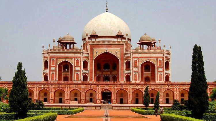 Golden Triangle Tour with Orchha, Khajuraho & Varanasi