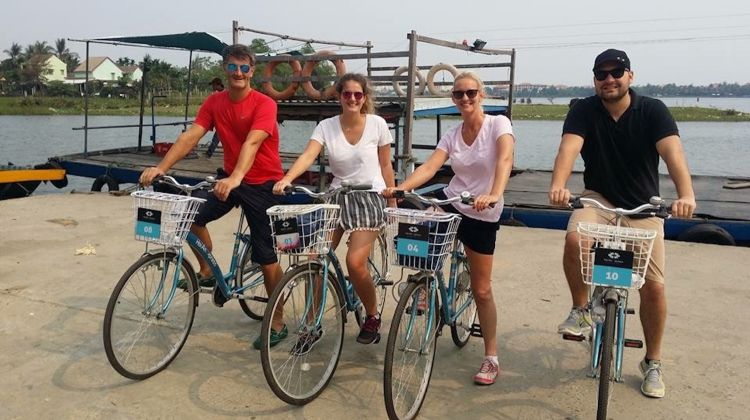 Half-day exploring local life by bicycle from Hoi An