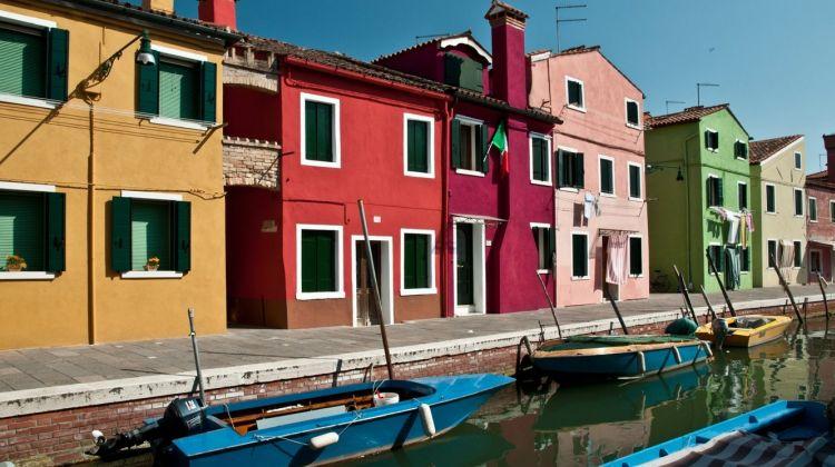 Half-day Motorboat Cruise to Murano & Burano