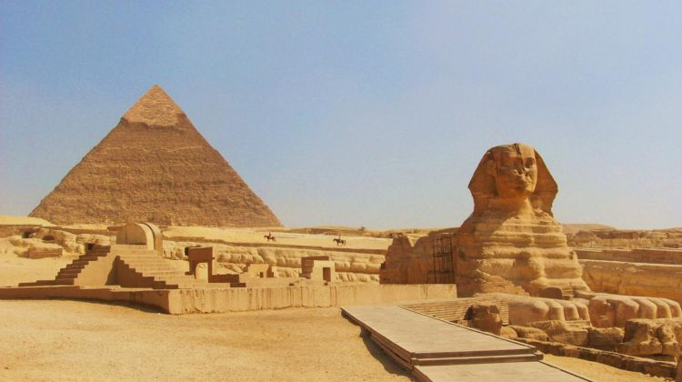 half day tour of giza pyramid and the sphinx by your egypt tours