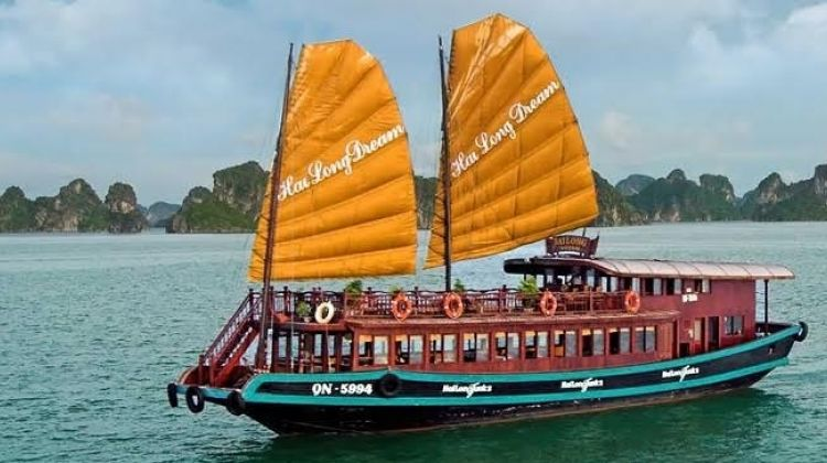 Halong Bay Full Day Boat Cruise