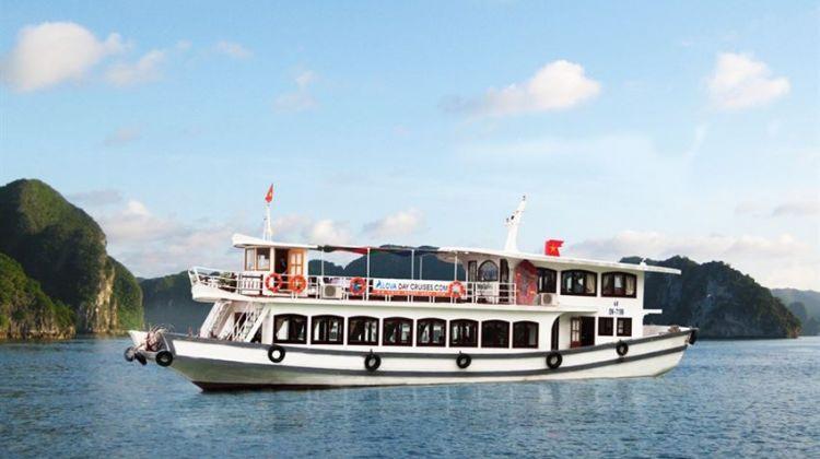 Halong Bay Full Day with Deluxe Alova Cruises from Hanoi