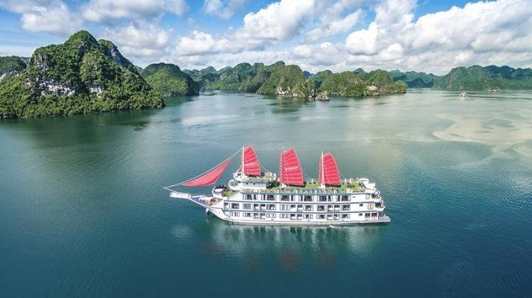 Halong Bay Party Cruise 2D/1N (from Hanoi)
