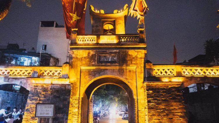 Hanoi Nights Food Vespa Tour