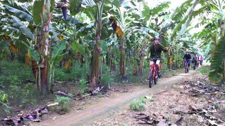 Hanoi's Outskirts Discovery By Bike