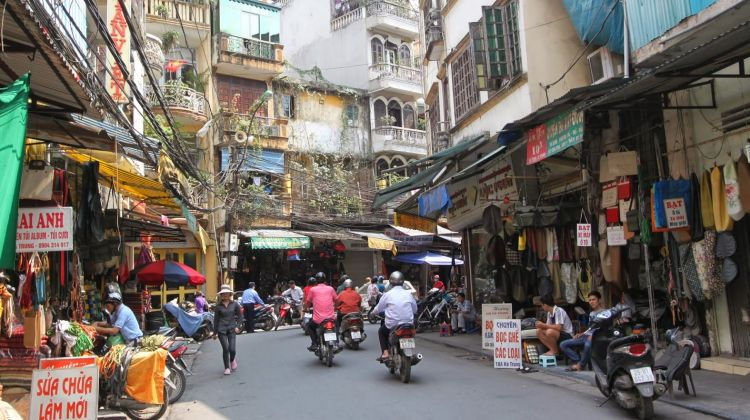 Hanoi Sightseeing Tour with Water Puppet Show & Rickshaw