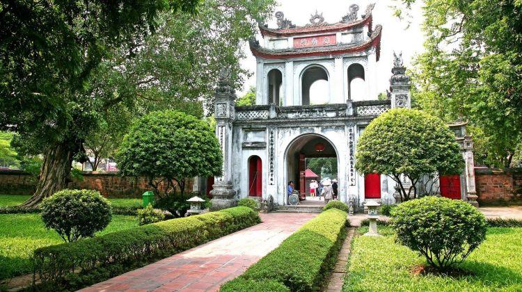 Hanoi Sightseeing Tour with Water Puppet Show & Rickshaw