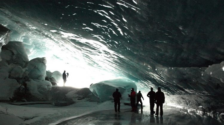 Ice Cave Tour and Highlights of South Shore