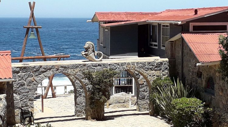 Isla Negra & Pomaire Private Full-Day Tour